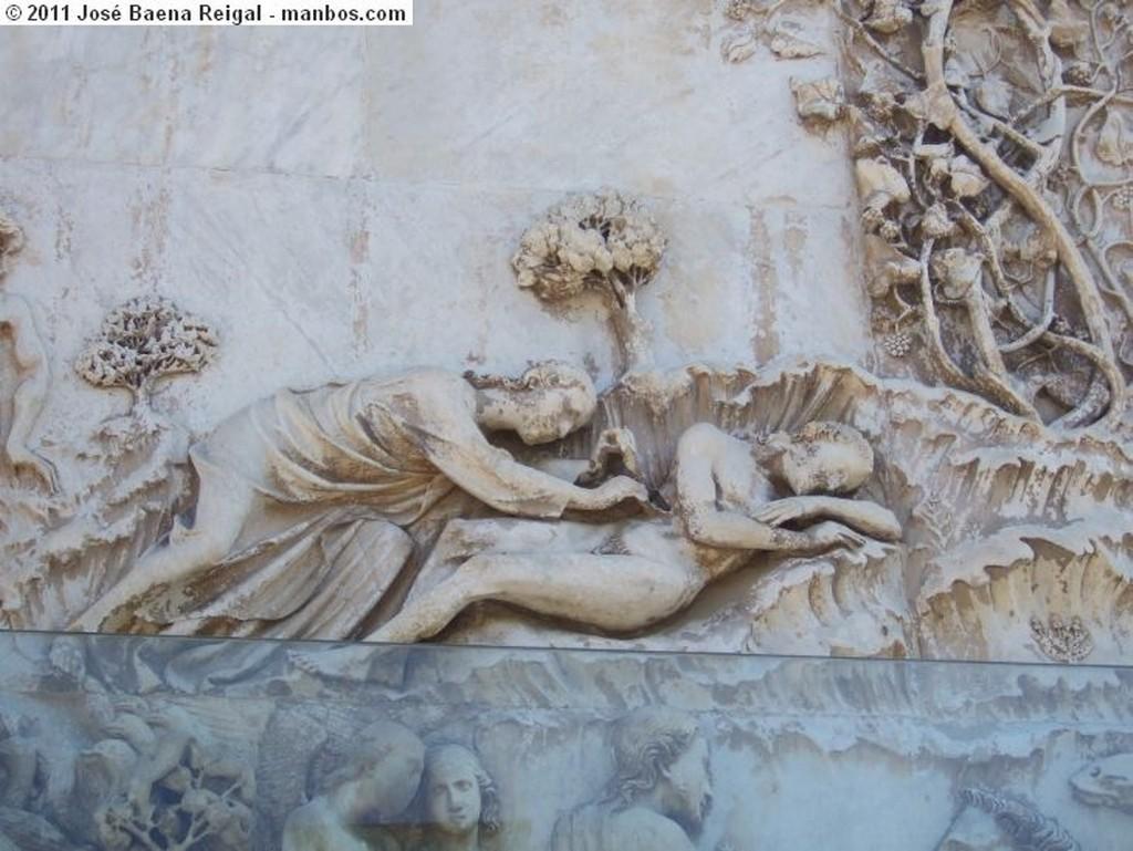 Orvieto Bautismo de Cristo Umbria