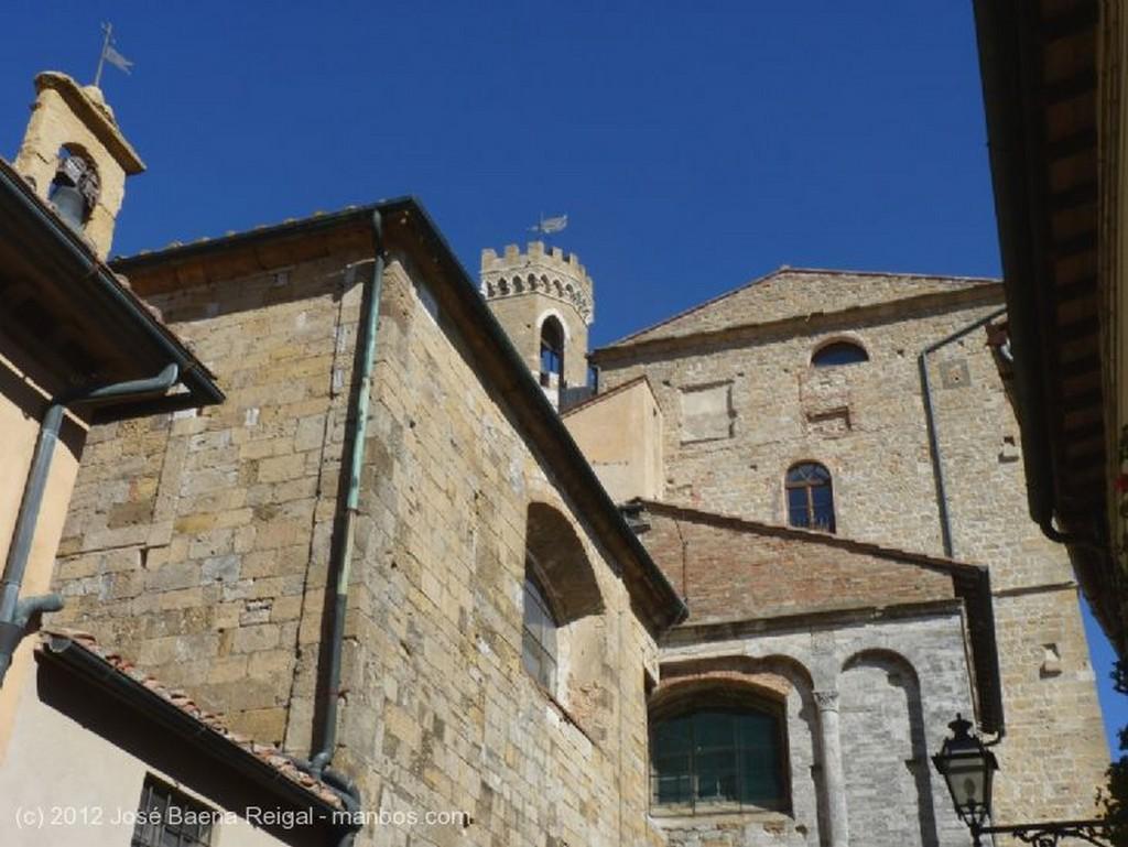 Volterra Pila bautismal Pisa