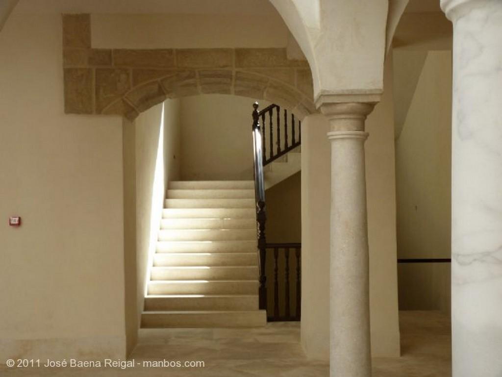 Malaga Patio central del Palacio Villalon Malaga