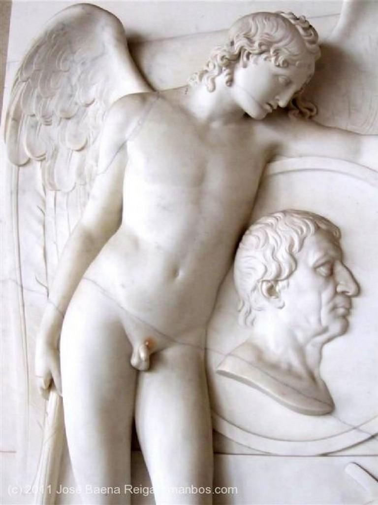 Pisa Lapida funeraria neoclasica Toscana