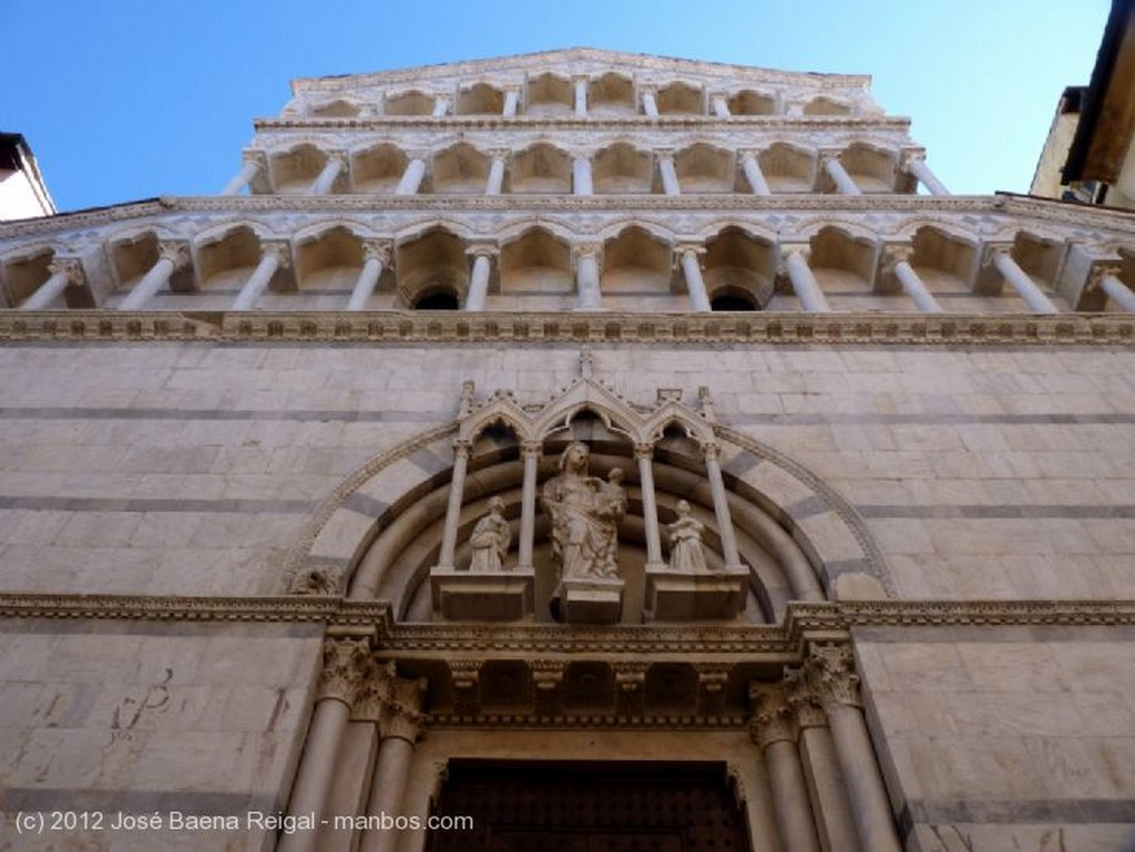 Pisa Templete gotico Toscana