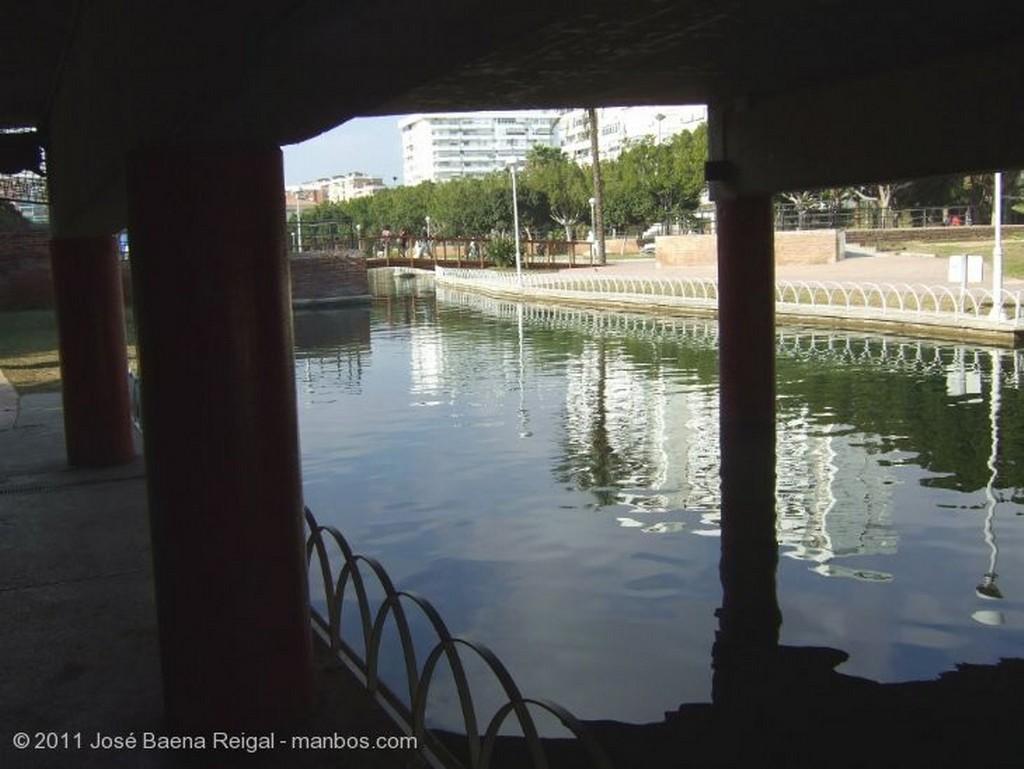 Malaga Estanque y mosaicos Malaga