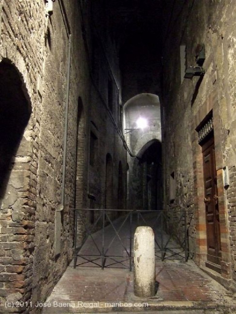 Perugia Vista nocturna Umbria