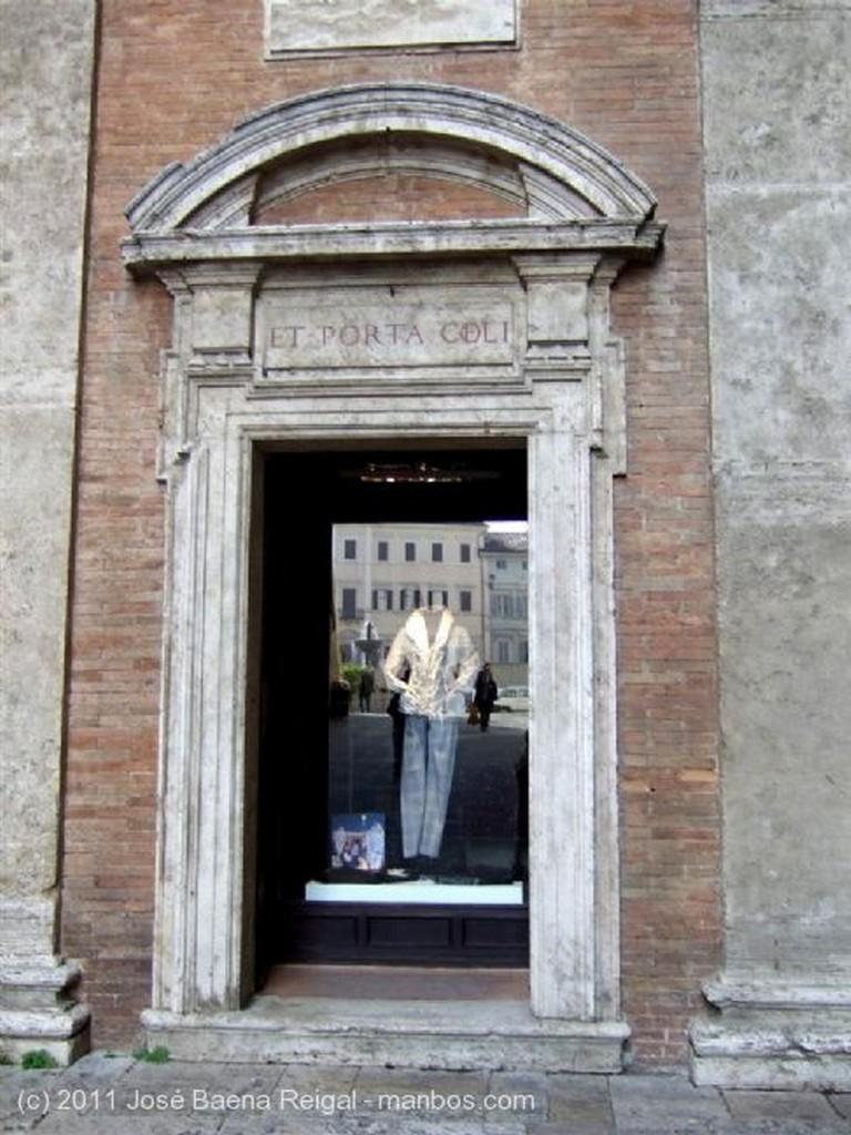 Perugia Monumento a Julio III Perugia