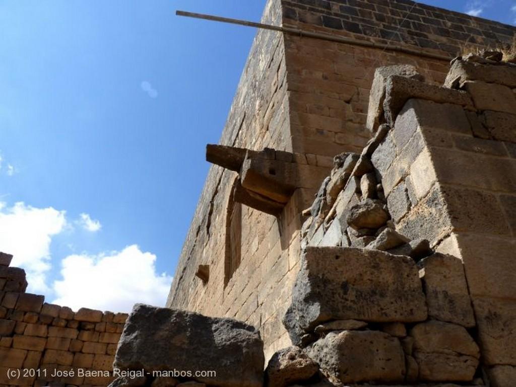 Bosra Antigua iglesia convertida en mezquita Dera