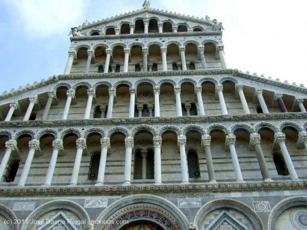Pisa Fachada del Duomo Toscana