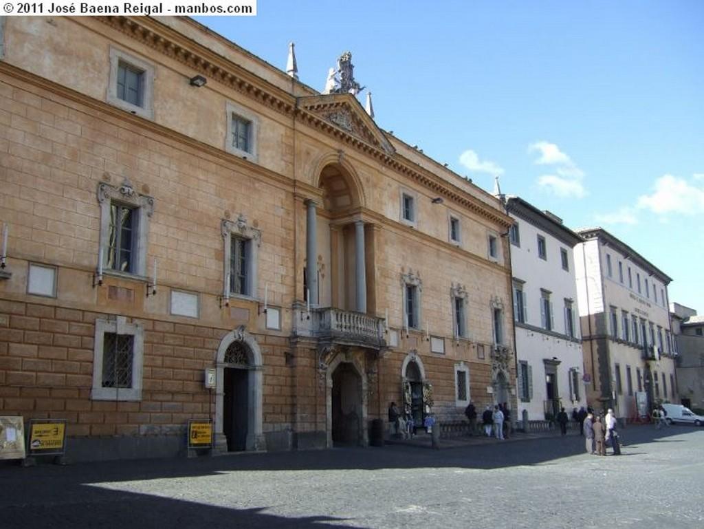 Orvieto Capillas laterales y crucero Umbria
