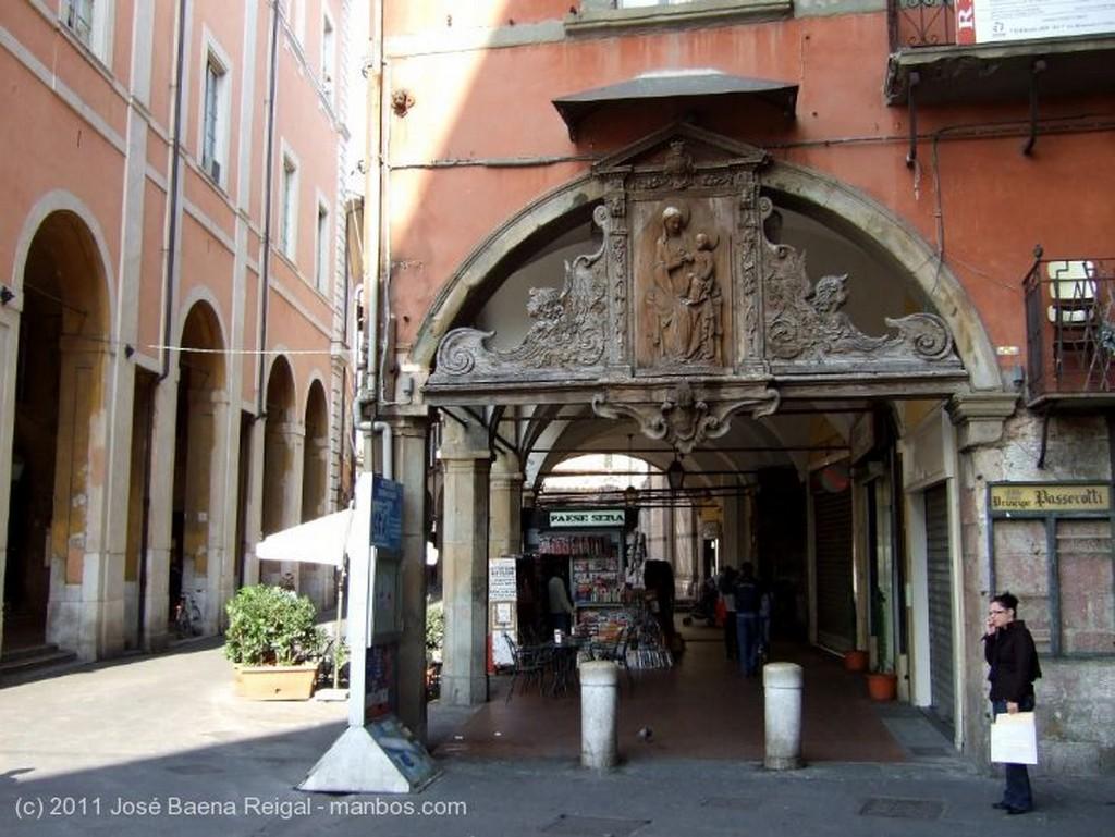 Pisa Monumento a Garibaldi Toscana