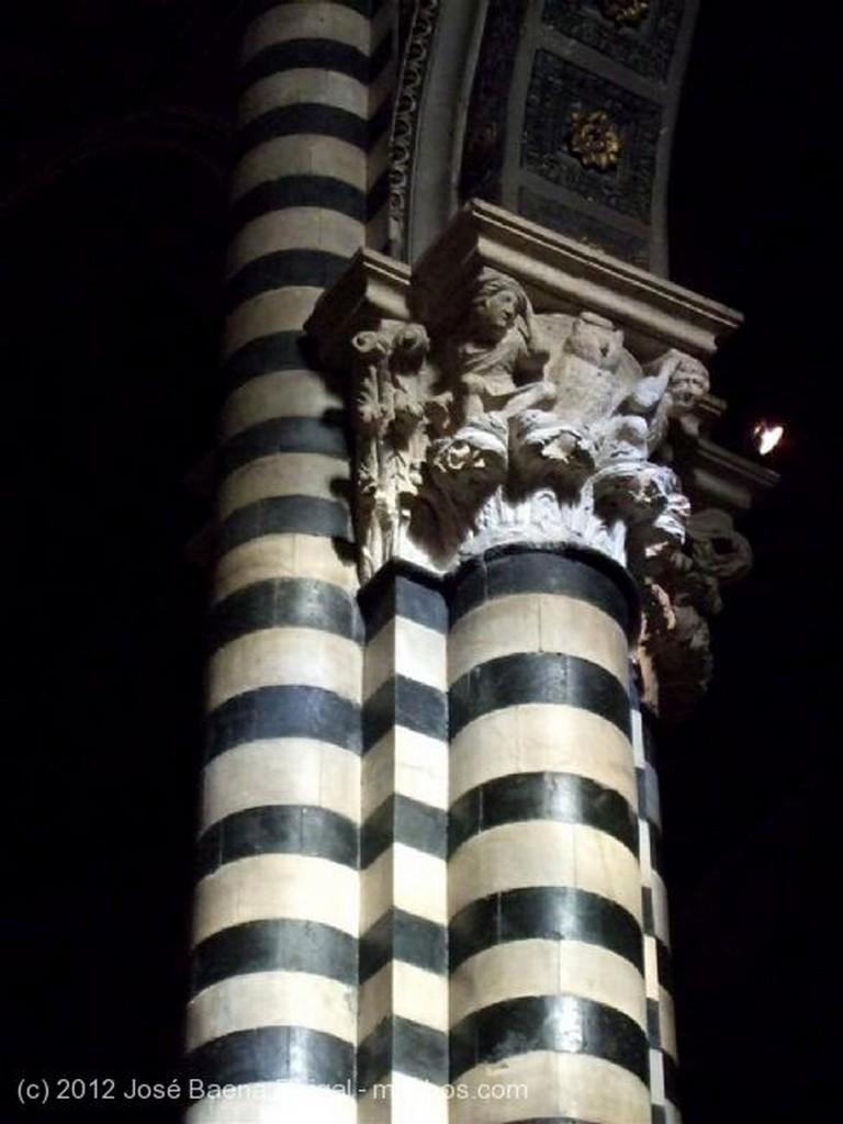 Siena Decoracion fastuosa Toscana