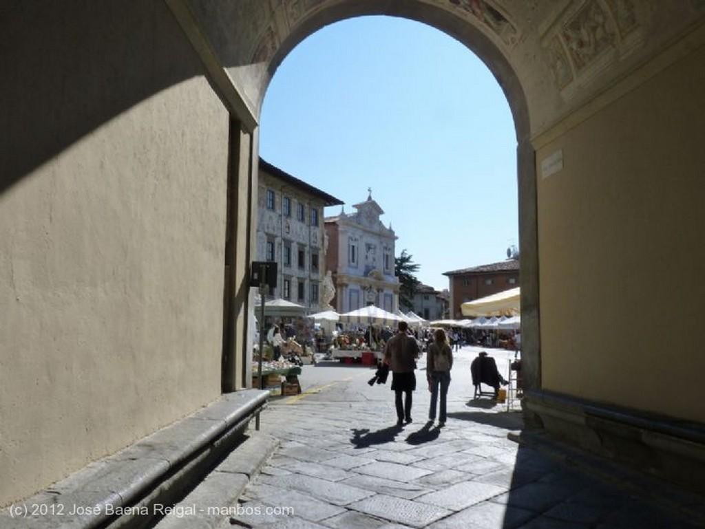 Pisa Monumento a Giuseppe Mazzini Toscana