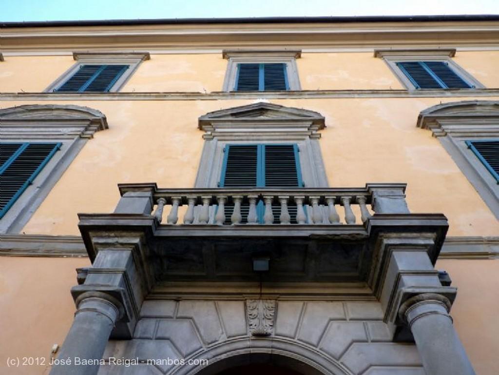 Pisa Puerta y muralla Toscana