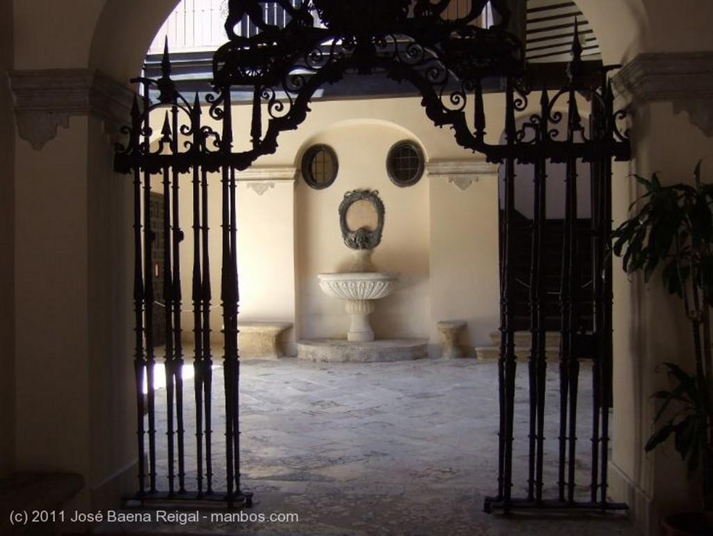 Malaga Galeria columnada Malaga