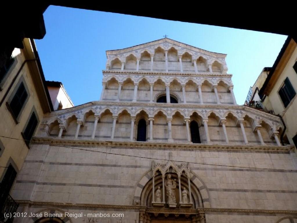Pisa Porticos comerciales Toscana