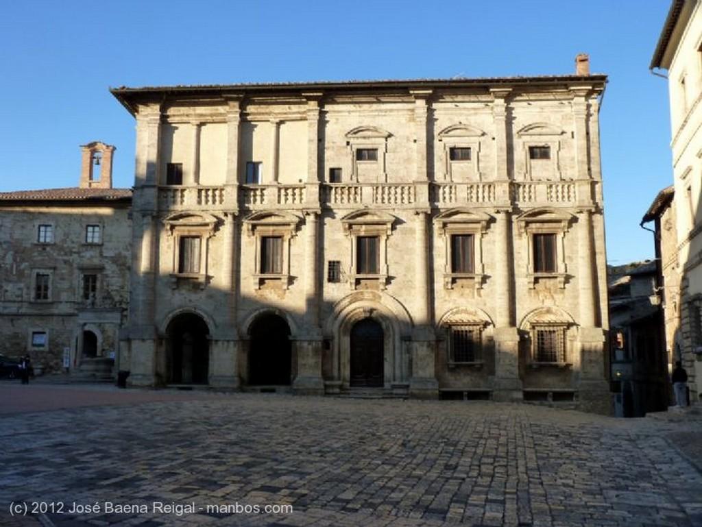 Montepulciano Bajo el cielo toscano Siena