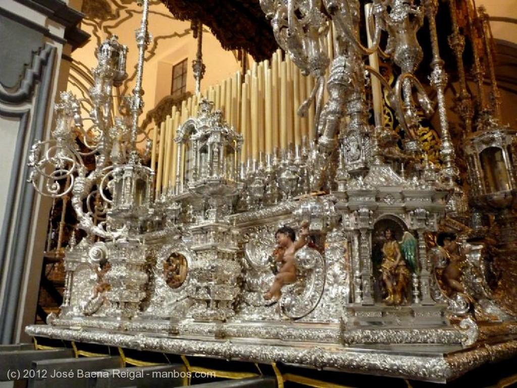 Malaga Virgen de Antonio Banderas (Lagrimas y Favores) Malaga