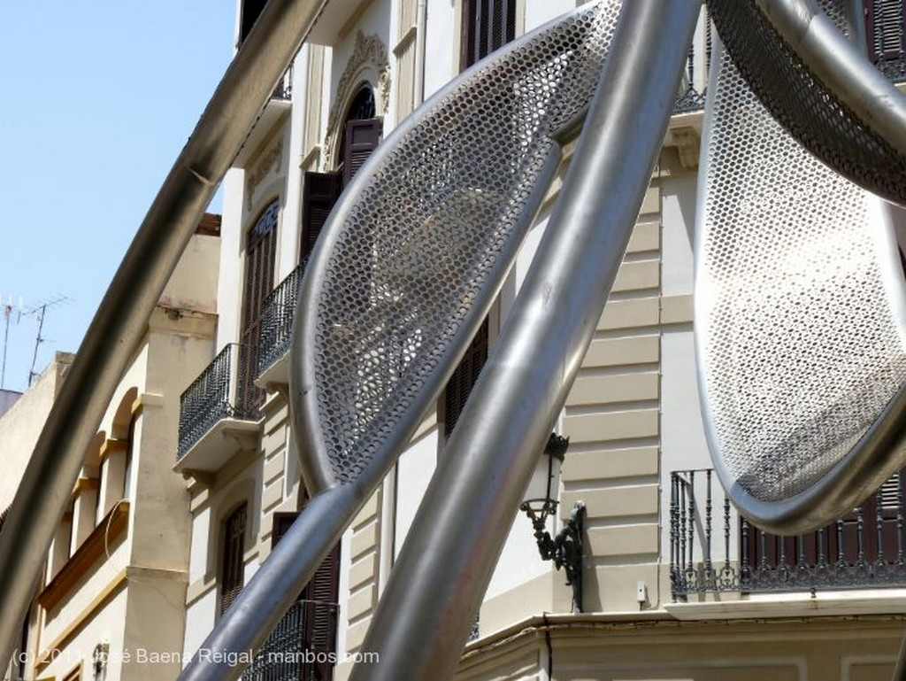 Malaga Escultura y fachada Malaga