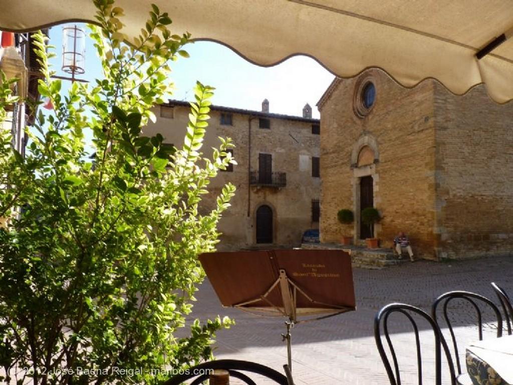 San Gimignano Pozo medieval Siena