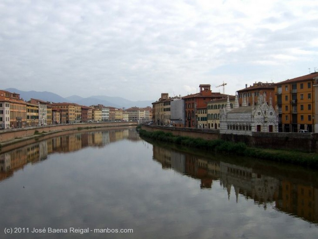 Pisa Galeria de los Papas Toscana