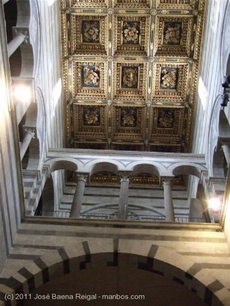Pisa Nave principal Toscana