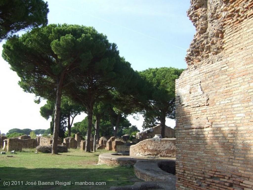 Ostia Antica Escalera irresistible Roma