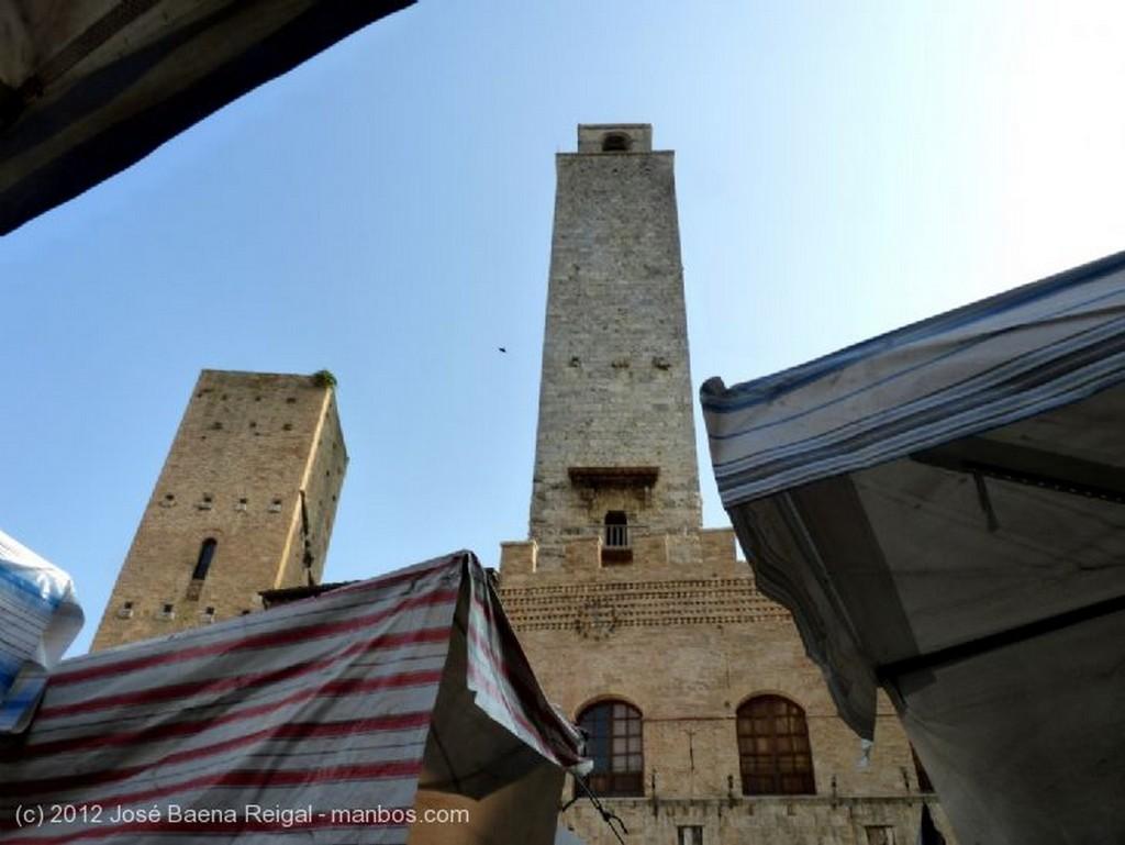 San Gimignano Loggia del Comune Siena