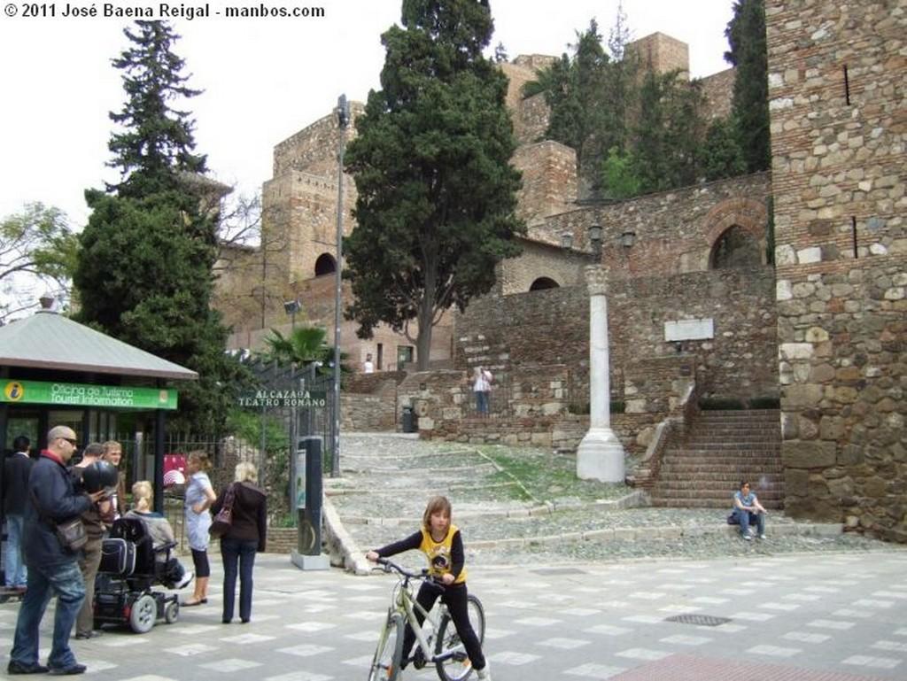 Malaga Con la Alcazaba al fondo Malaga