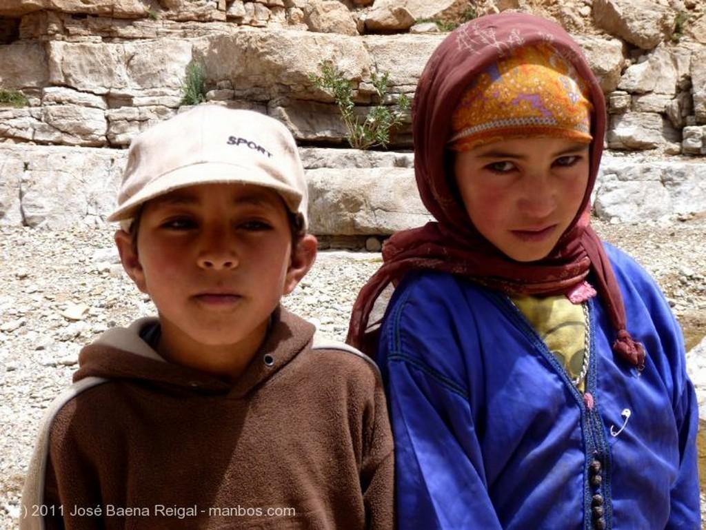 Gargantas del Todra Pastorcito bereber Ouarzazate