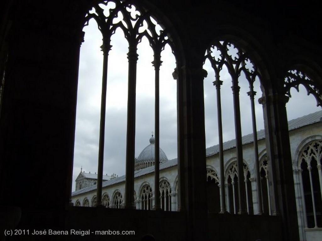 Pisa Tristeza contenida Toscana