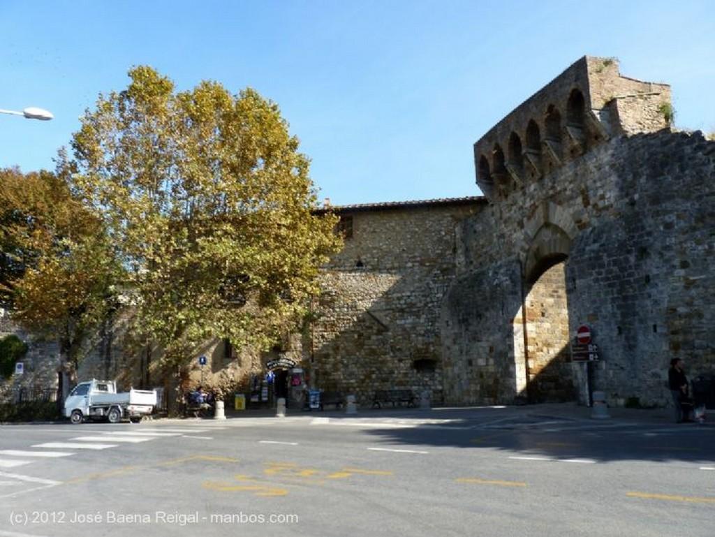 San Gimignano Barrio moderno Siena