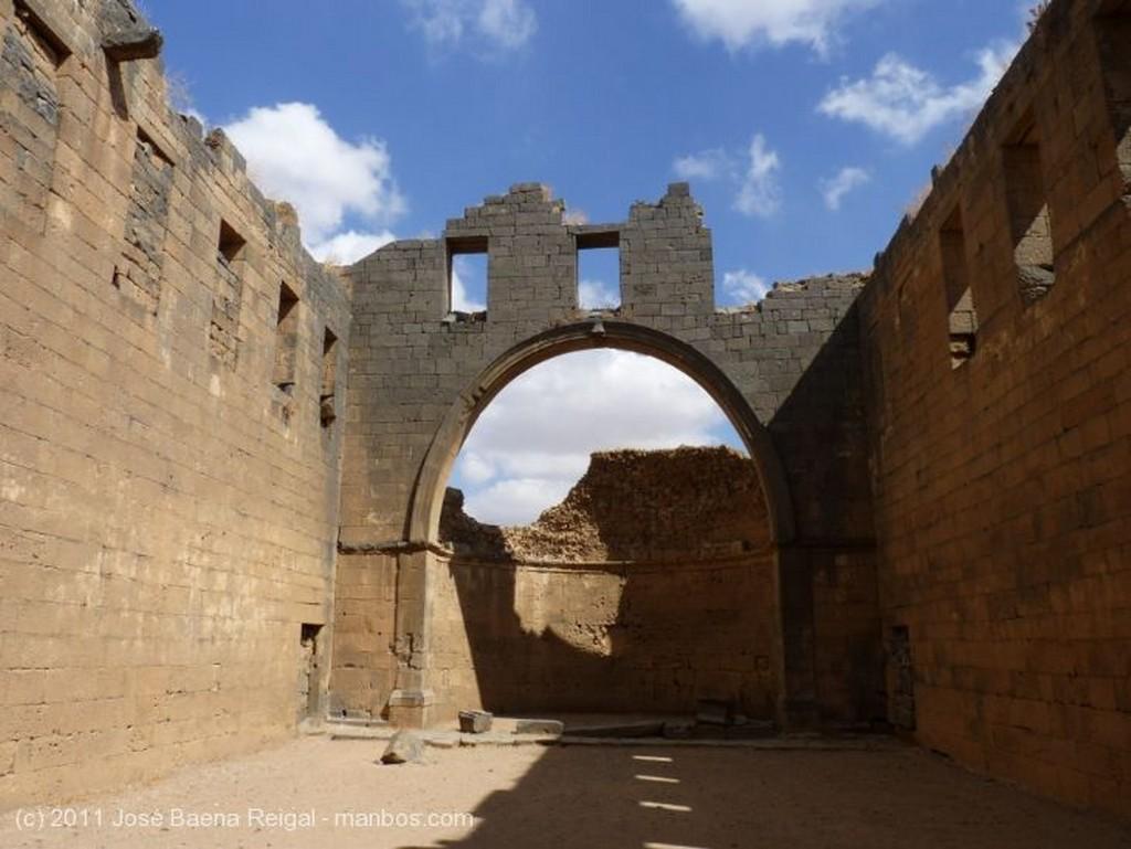 Bosra Antiguo convento de monjas Dera