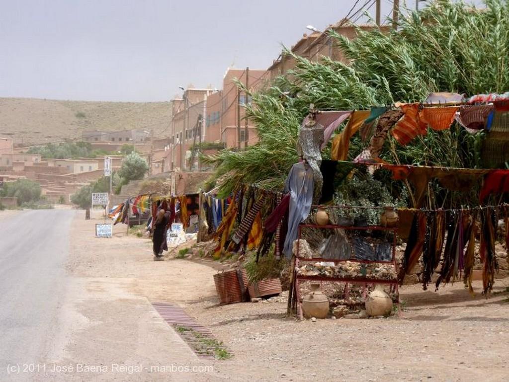 Gargantas del Todra Jaima comedor Ouarzazate