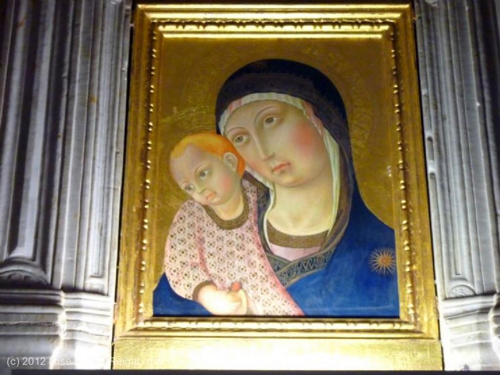 Montepulciano Fachada inacabada del Duomo Siena