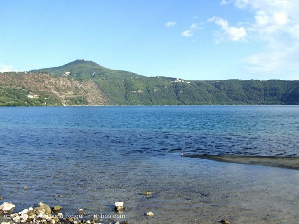Castel Gandolfo A la orilla del Lago Lazio