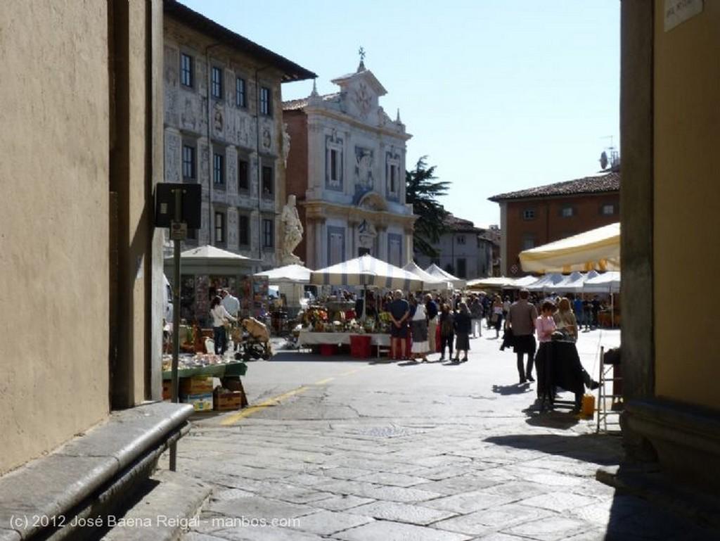 Pisa Calles recoletas Toscana