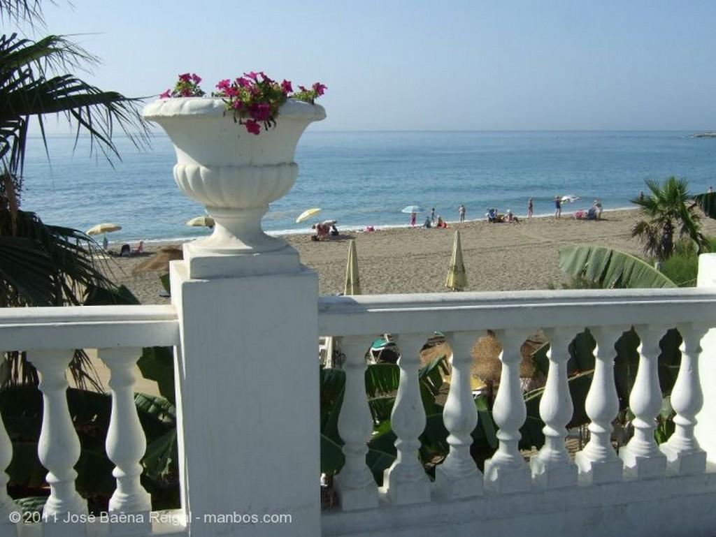 Benalmadena Turistas en la playa Malaga