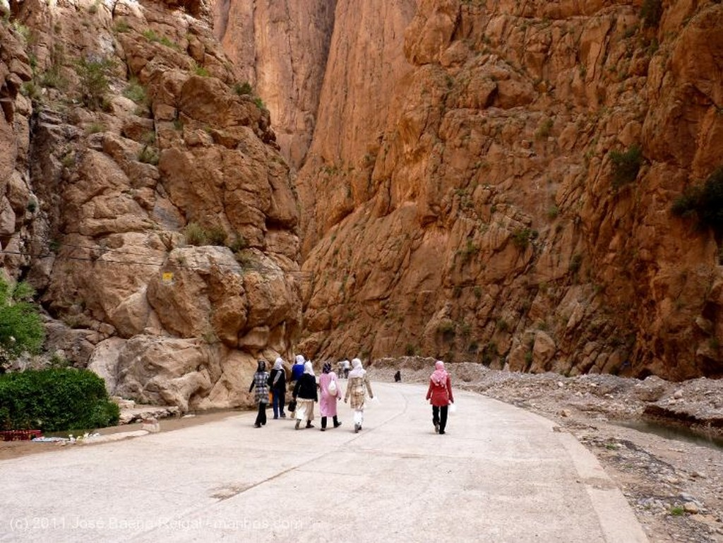 Gargantas del Todra Paredes de 300 metros Ouarzazate