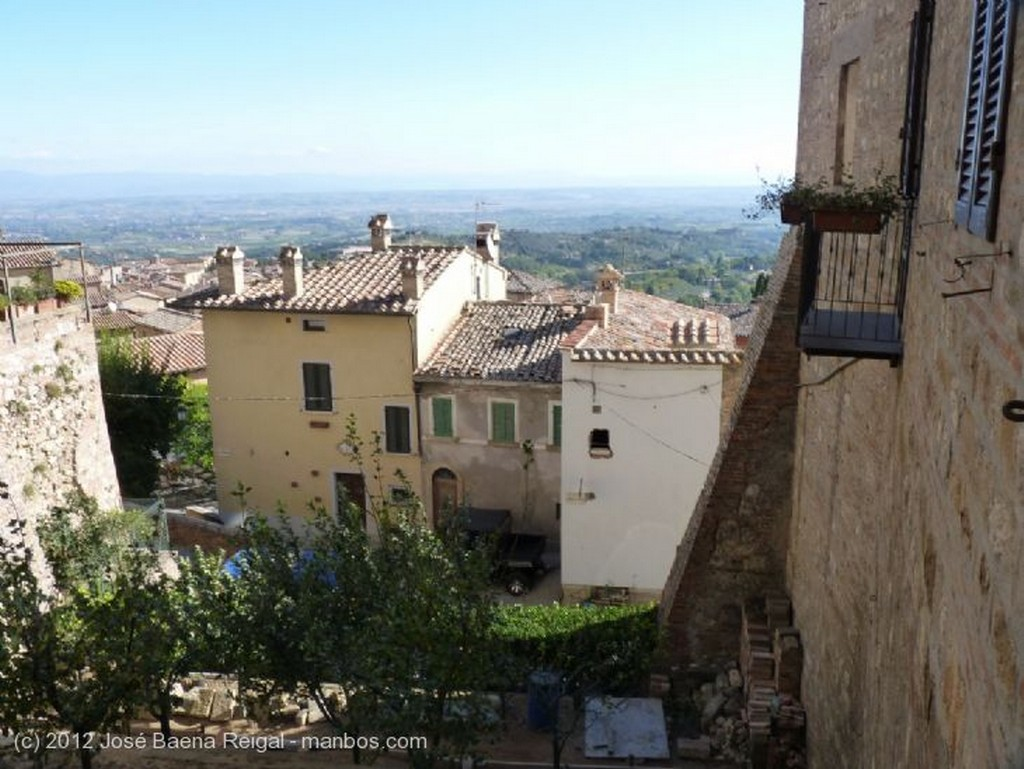Montepulciano Tierras de labor Siena