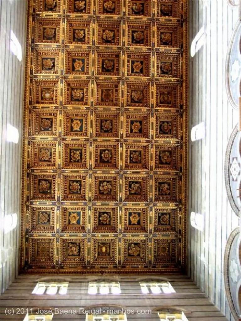 Pisa Galeria superior Toscana