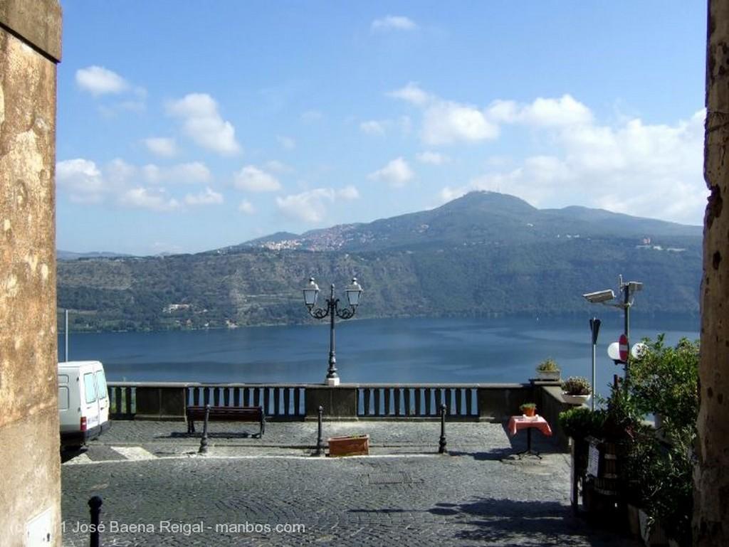 Castel Gandolfo El Lago Albano Lazio
