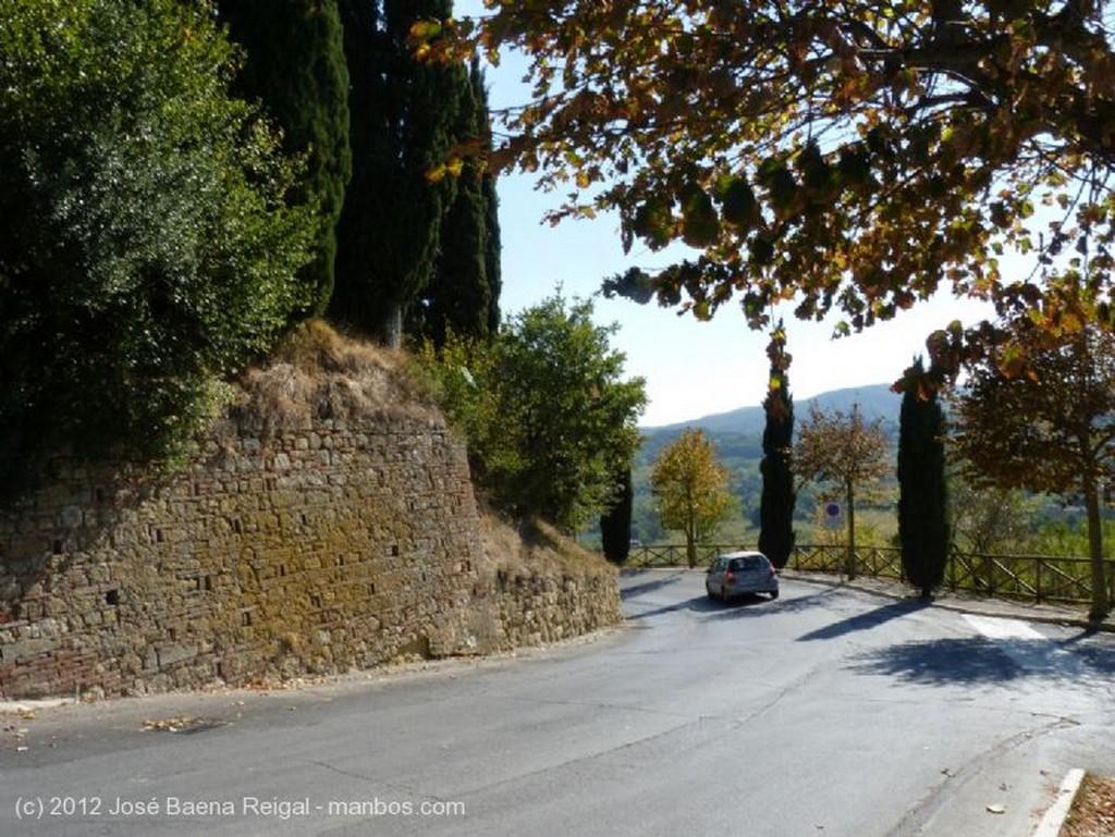 Montepulciano Paraiso de caminantes Siena