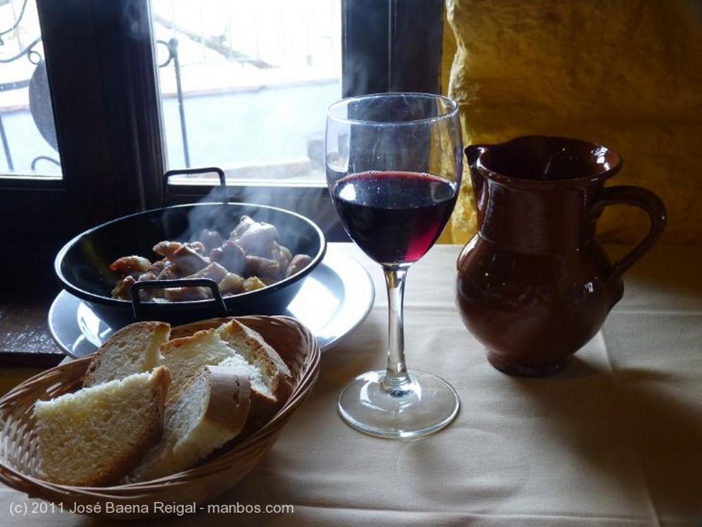 San Gimignano Recuerdos para turistas  Siena