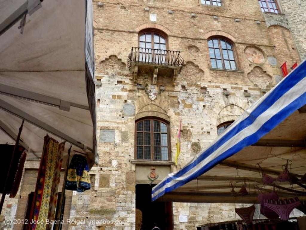 San Gimignano Conservas toscanas Siena