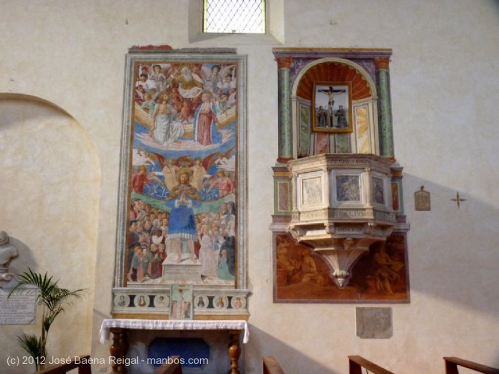 San Gimignano Fresco con Madonna Siena