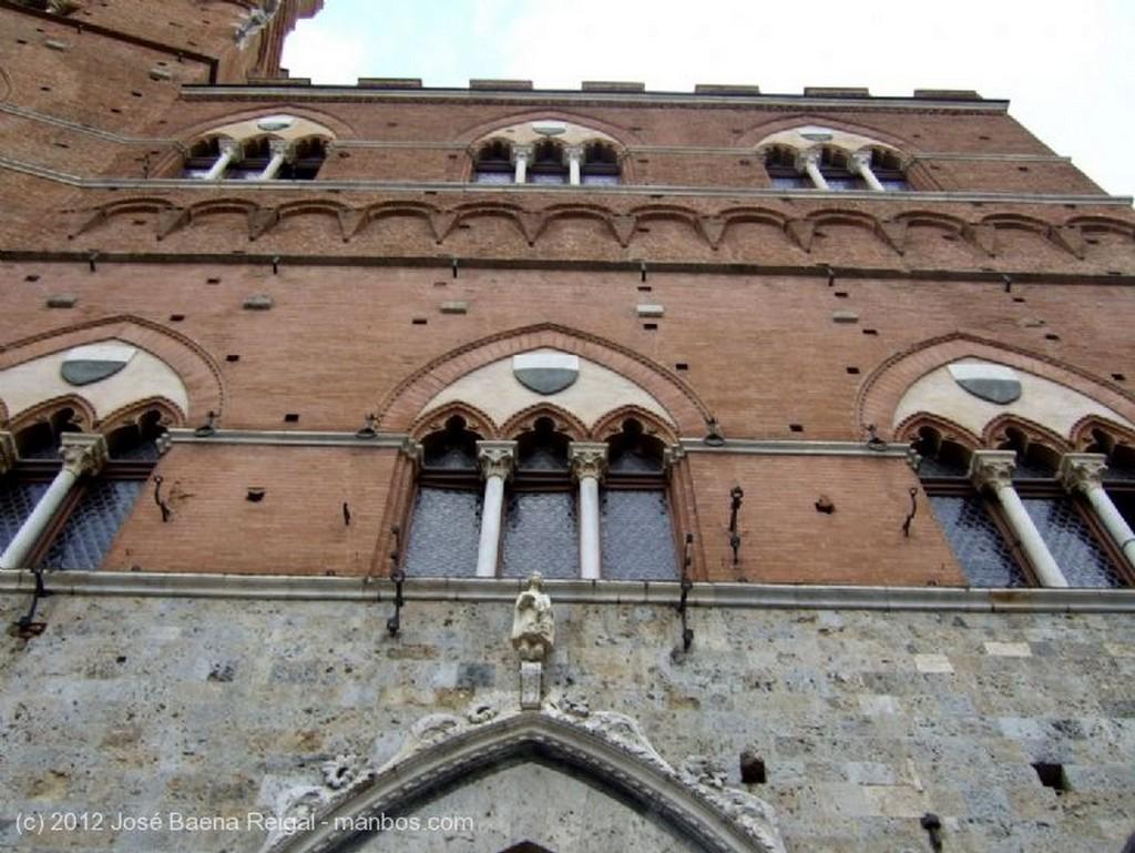 Siena Fachadas y terrazas Toscana