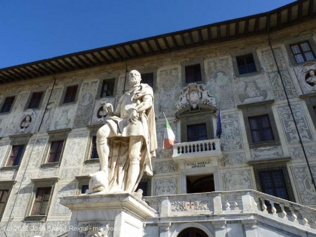 Pisa Torre medieval Toscana