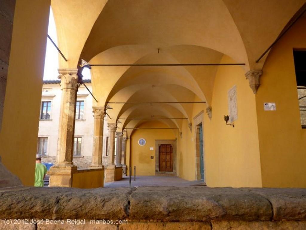 Volterra Reja medieval Pisa