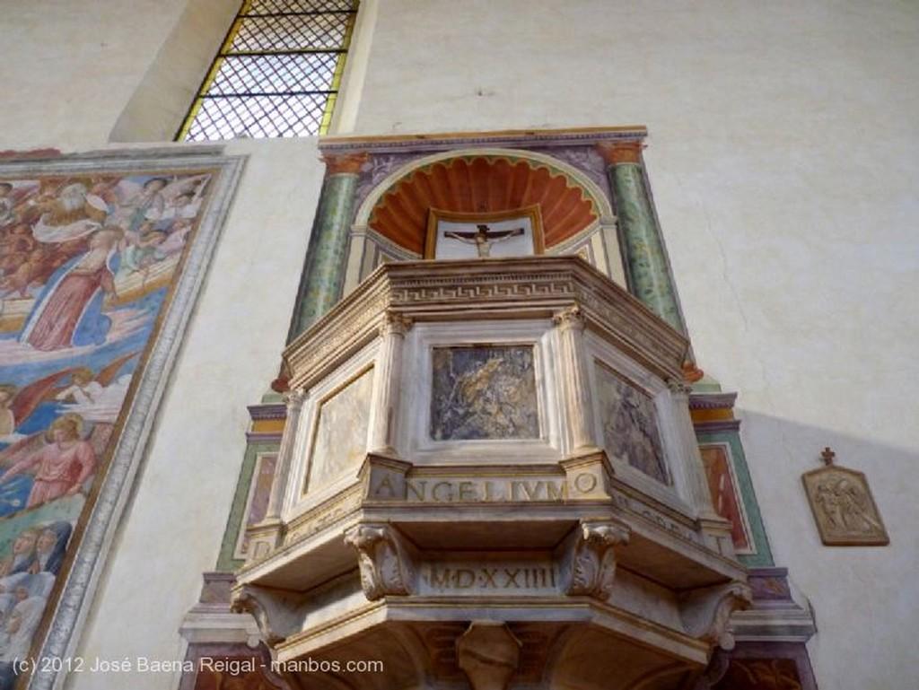 San Gimignano Fresco con Madonna y santos Siena