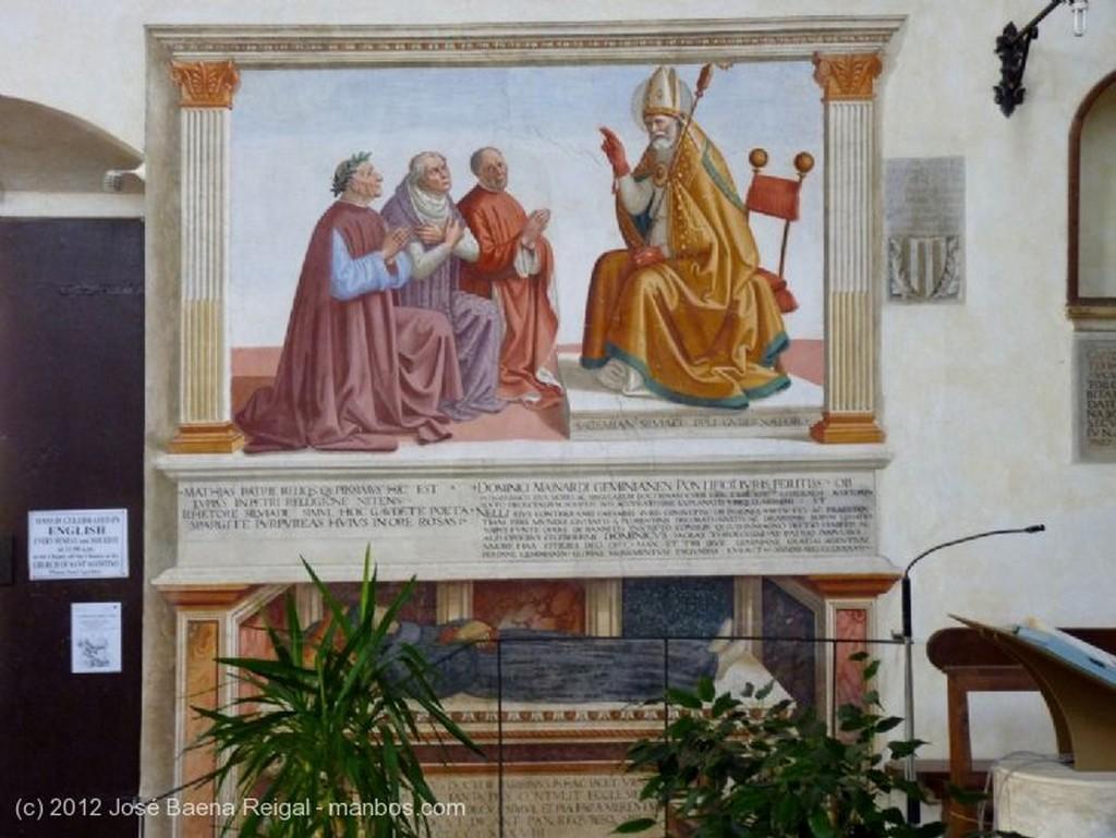 San Gimignano Frescos de la Capilla principal Siena