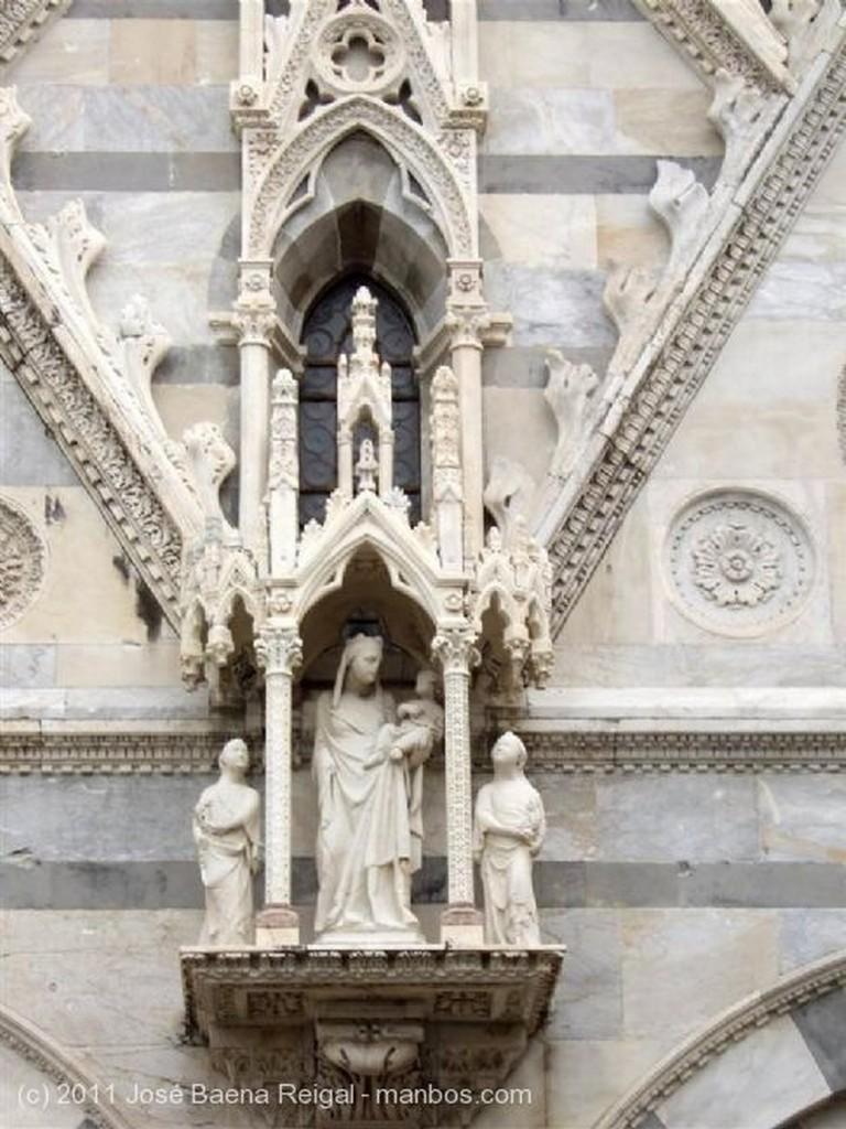 Pisa  Fachada principal Toscana