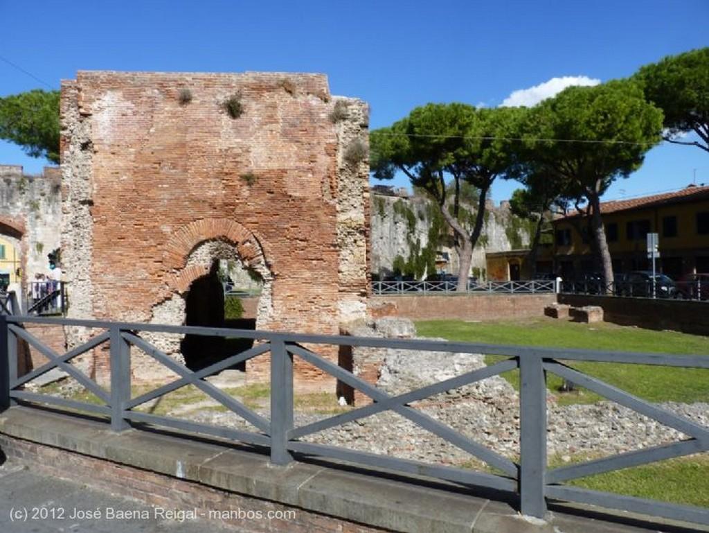 Pisa Quince mil toneladas de arte Toscana